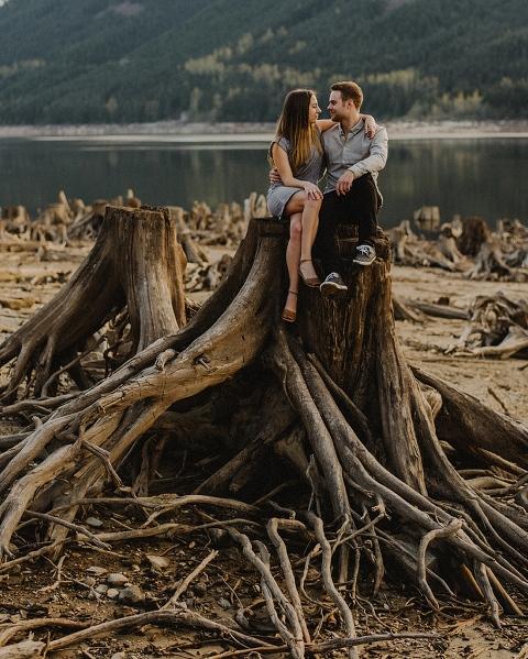 engagement photos at jones lake in chilliwack