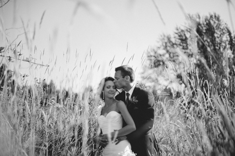 white rock tall grass wedding pictures