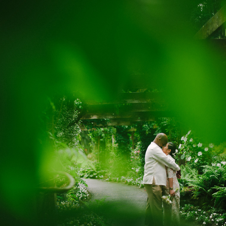 wedding picture at minter gardens