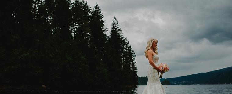 bridal portrait by the ocean