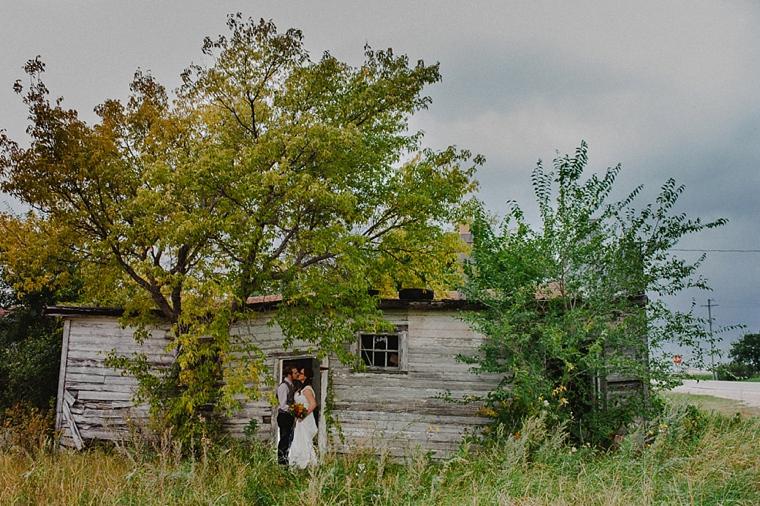 rustic manitoba wedding photographer
