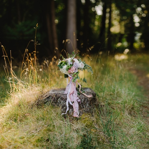 pink and purple rustic wedding bouquet