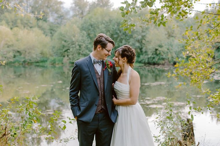 abbotsford river wedding portraits
