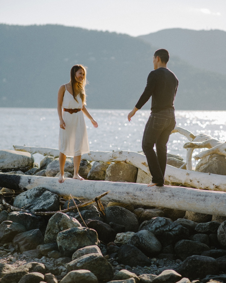 candid engagement pictures in vancouver