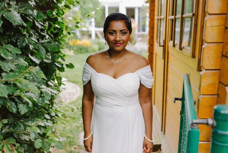 sri lanka bride on her wedding