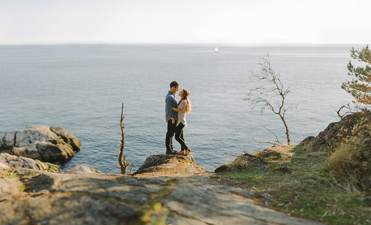 best lighthouse engagement pictures