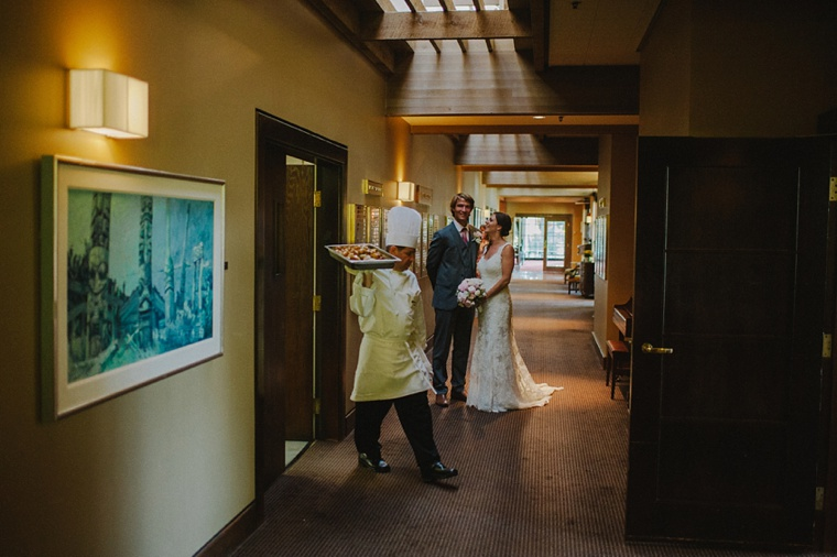 candid vancouver golf club wedding