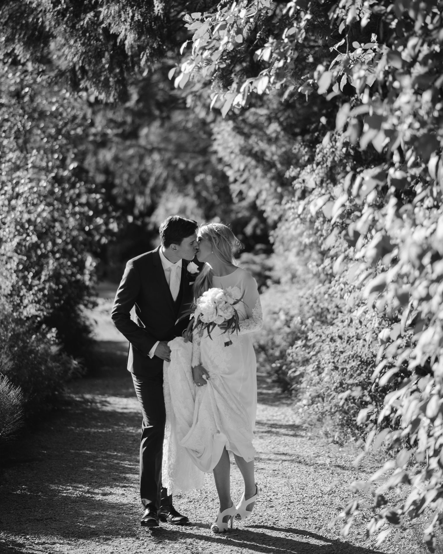 non cheesy wedding photography in vancouver