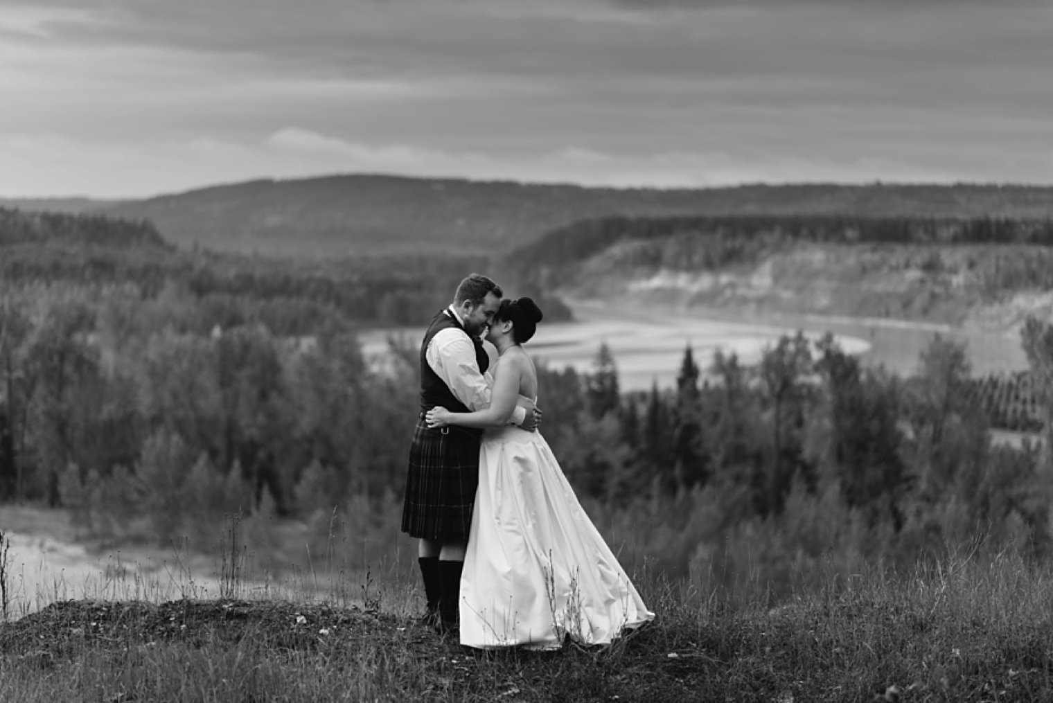 best quesnel wedding photographer