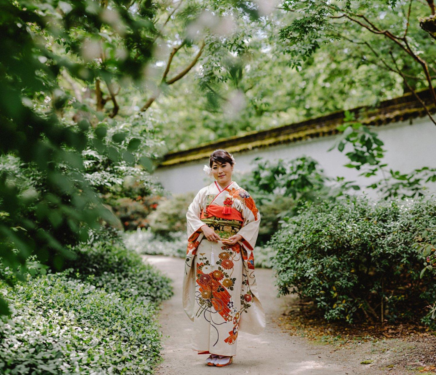 bride portrait in chinese garden vancouver