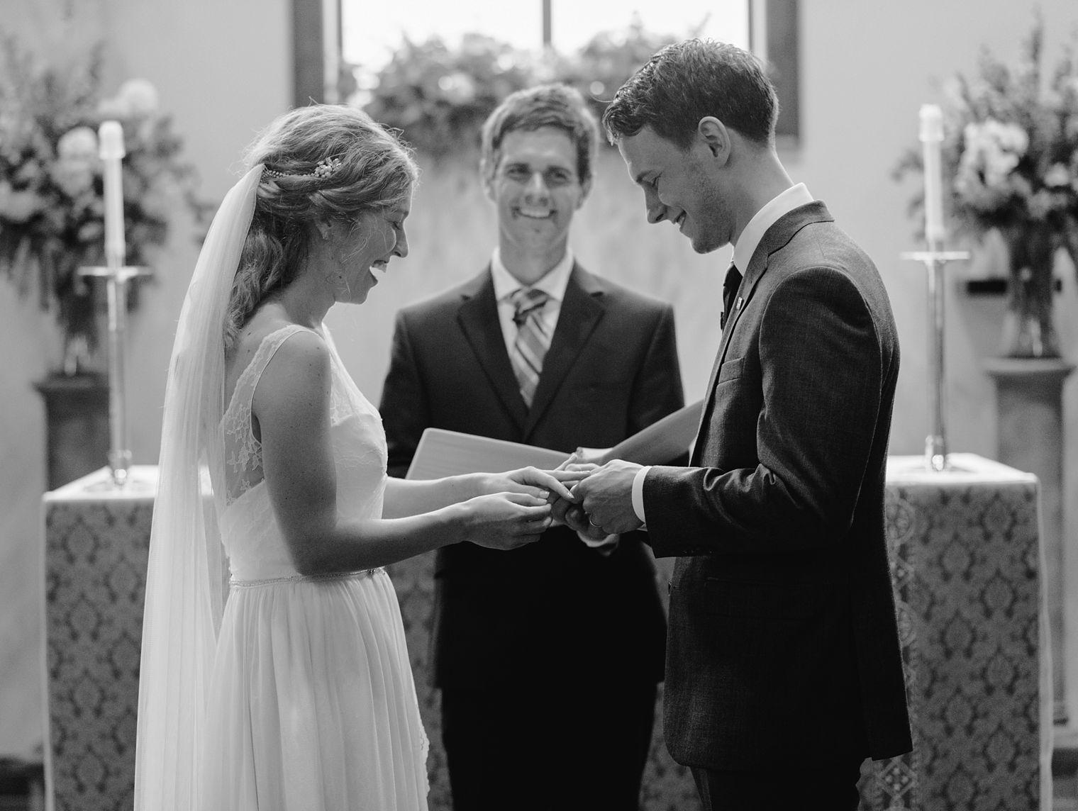 wedding ceremony in Occonomowoc