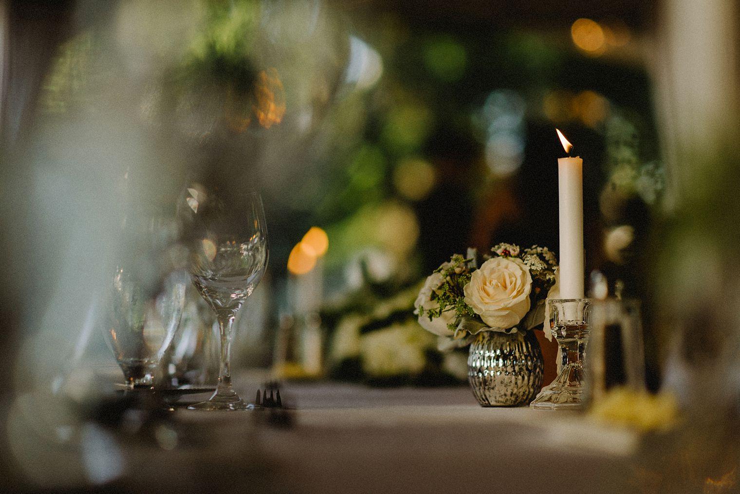 brock house wedding floral detail