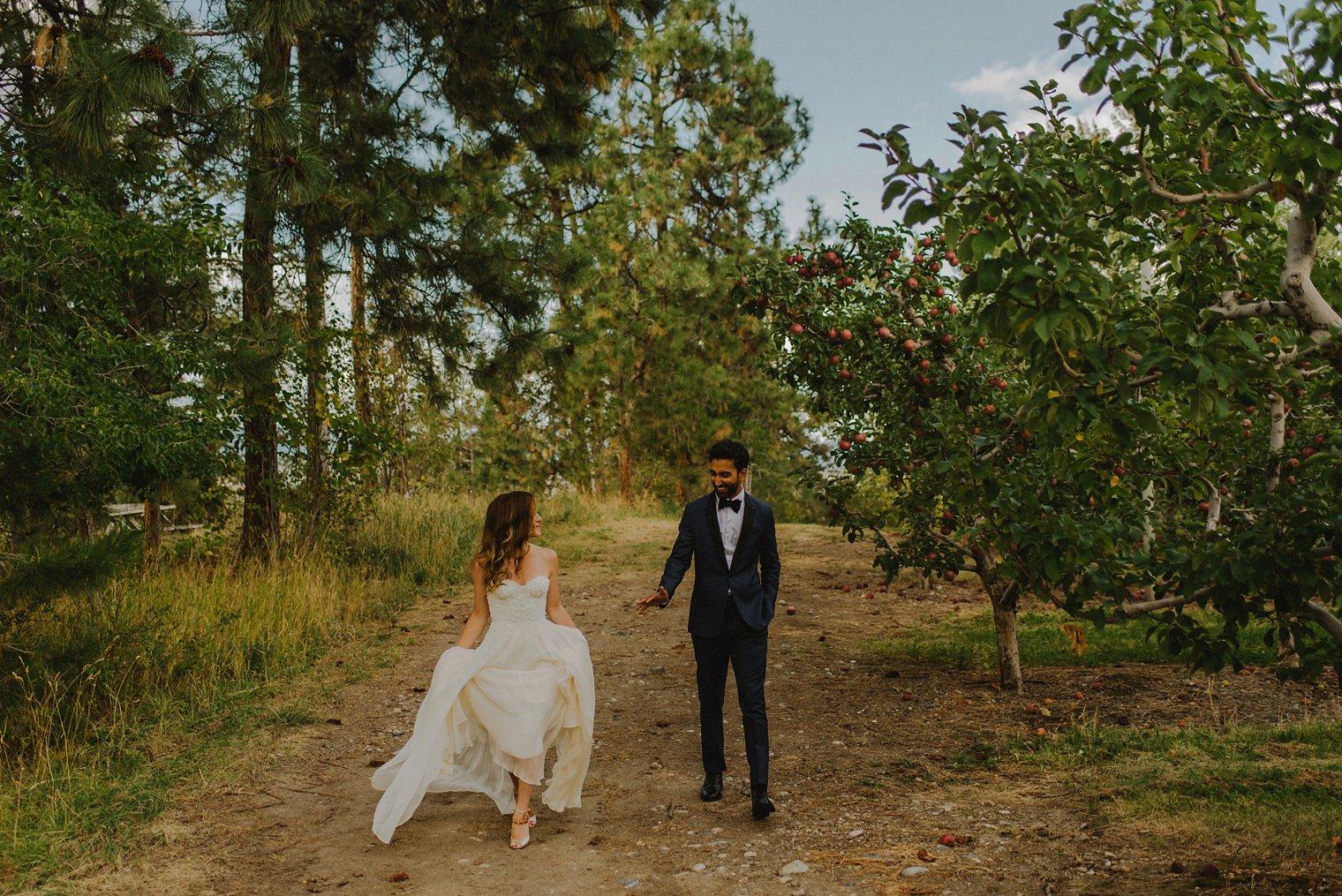 candid kelowna orchard wedding