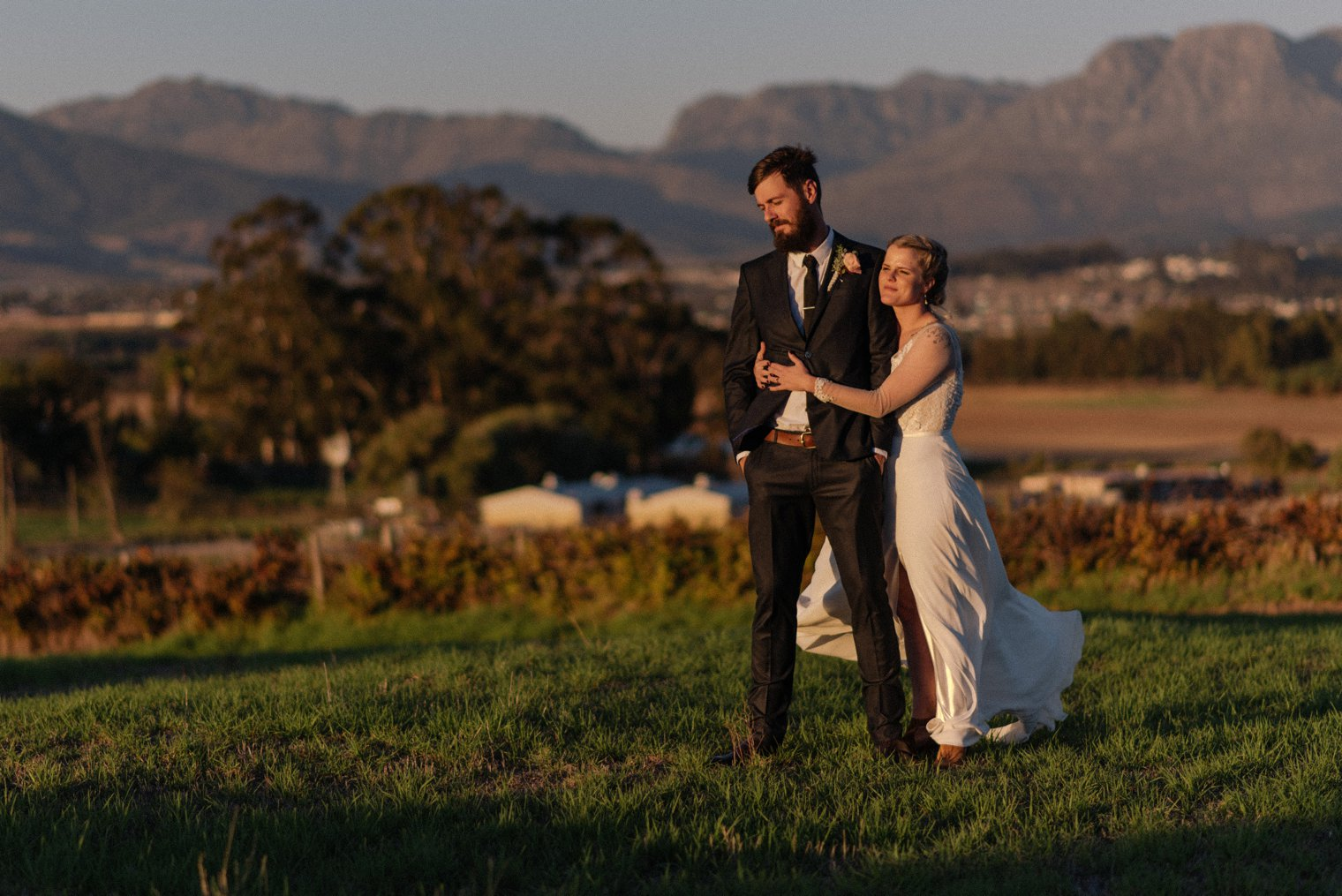 sunset wedding photos at kronenburg in stellenbosch