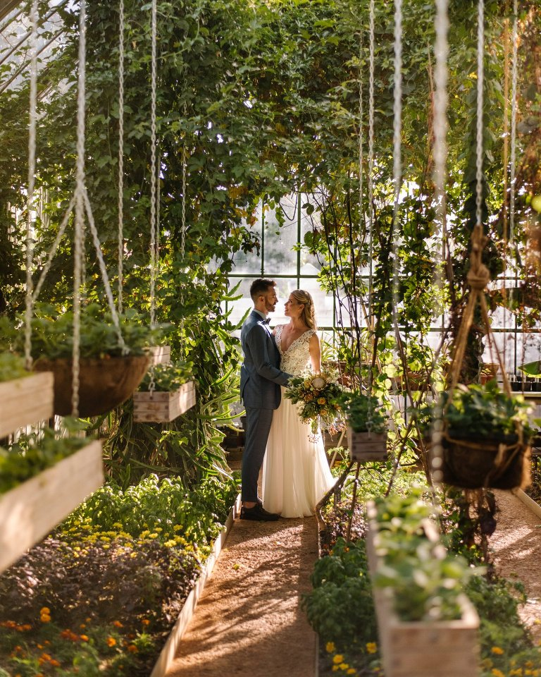 wedding photo in the greenhouse at babylonstoren