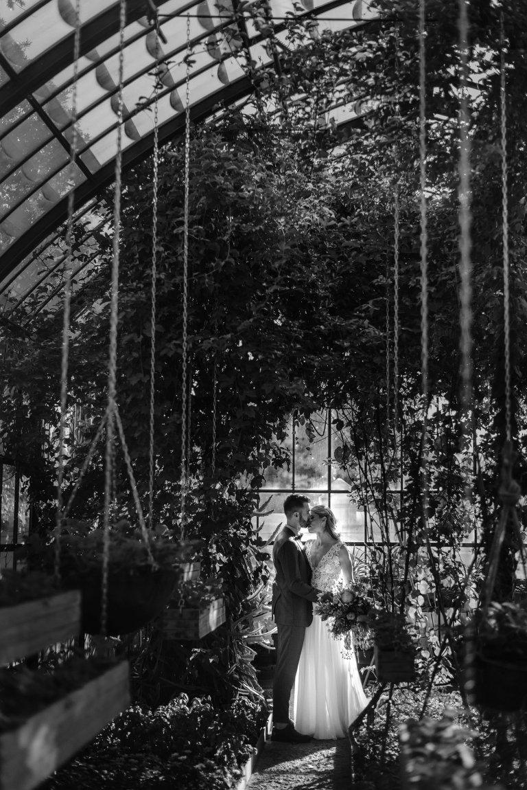 unique wedding photo at babylonstoren
