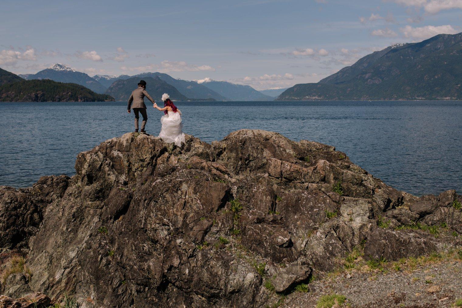candid bowen island wedding photos
