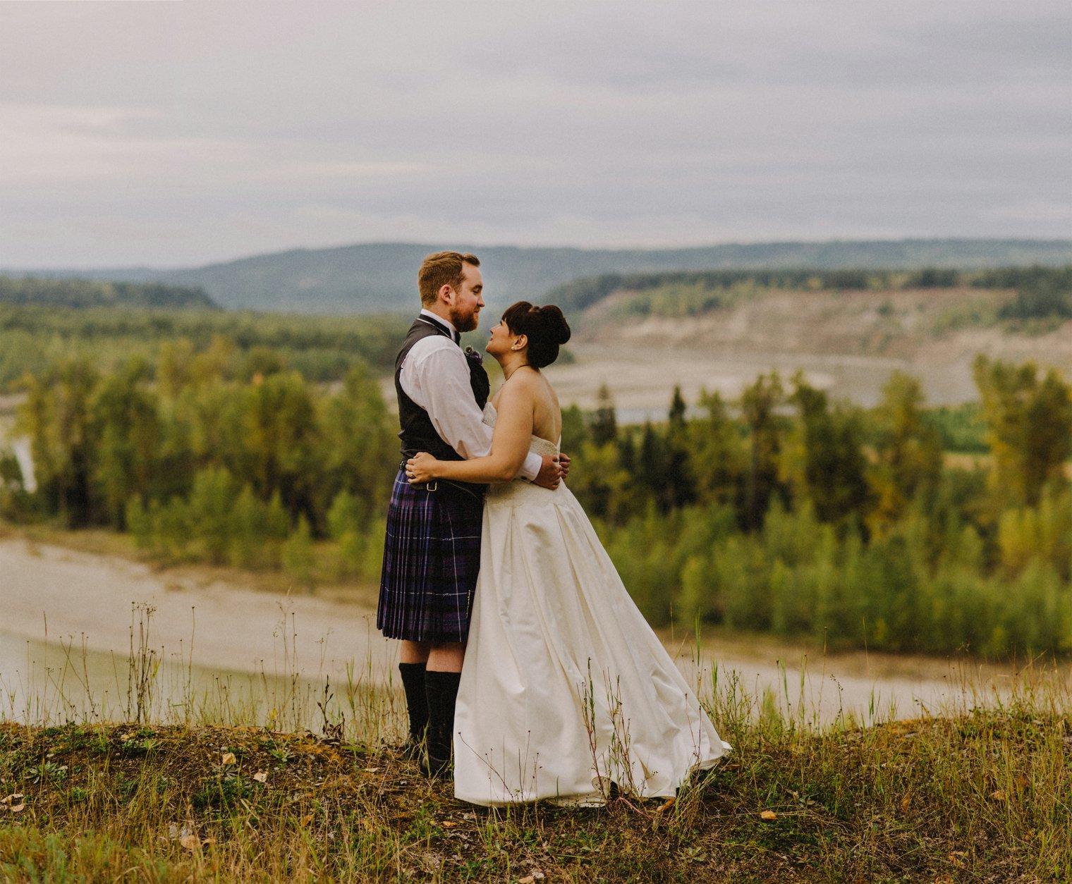 unique quesnel wedding photos