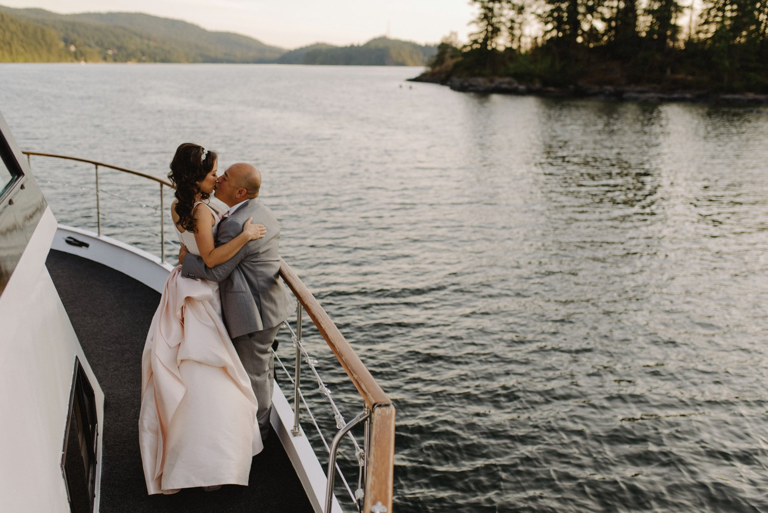 pacific yacht charters wedding photos